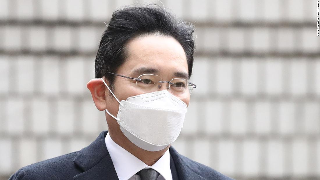 Samsung heir Jay Y. Lee sentenced to 2 1/2 years in prison for bribery and embezzlement – CNN