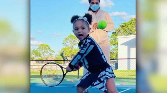 Serena Williams w/ daughter Olympia