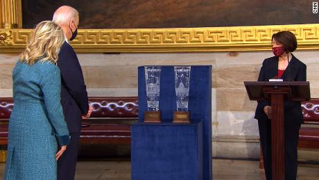 Congressional leaders present 32-pound gifts to Biden and Harris