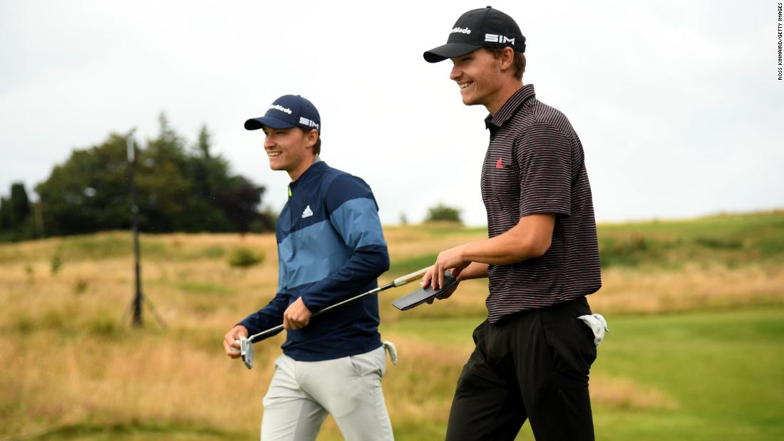 The teenage twins pushing each other to pro golf success