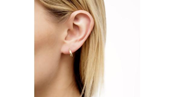 Bony Levy Beveled Edge Huggie Hoop Earrings