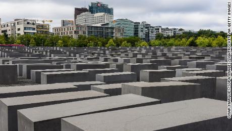 Ministro das Relações Exteriores da Alemanha: O anti-semitismo está mudando constantemente. Isso é o que fazemos para pará-lo