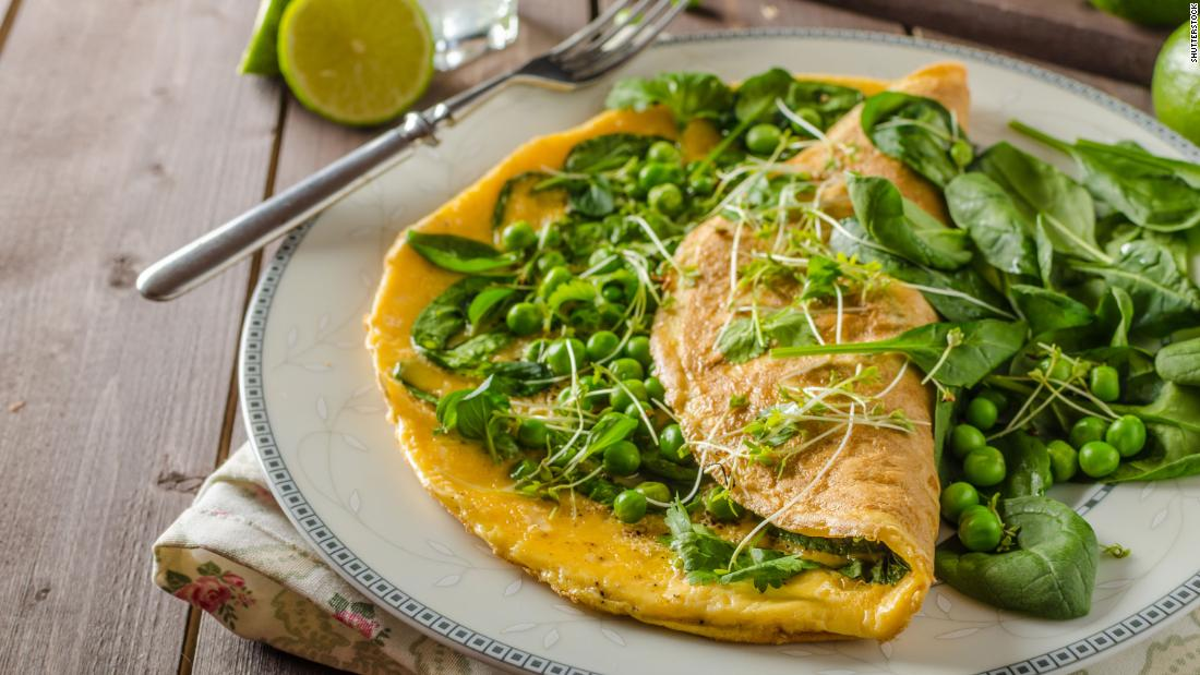 The green peas in this omelet can help keep you from getting irritable by boosting serotonin production in the brain and balancing blood glucose levels.