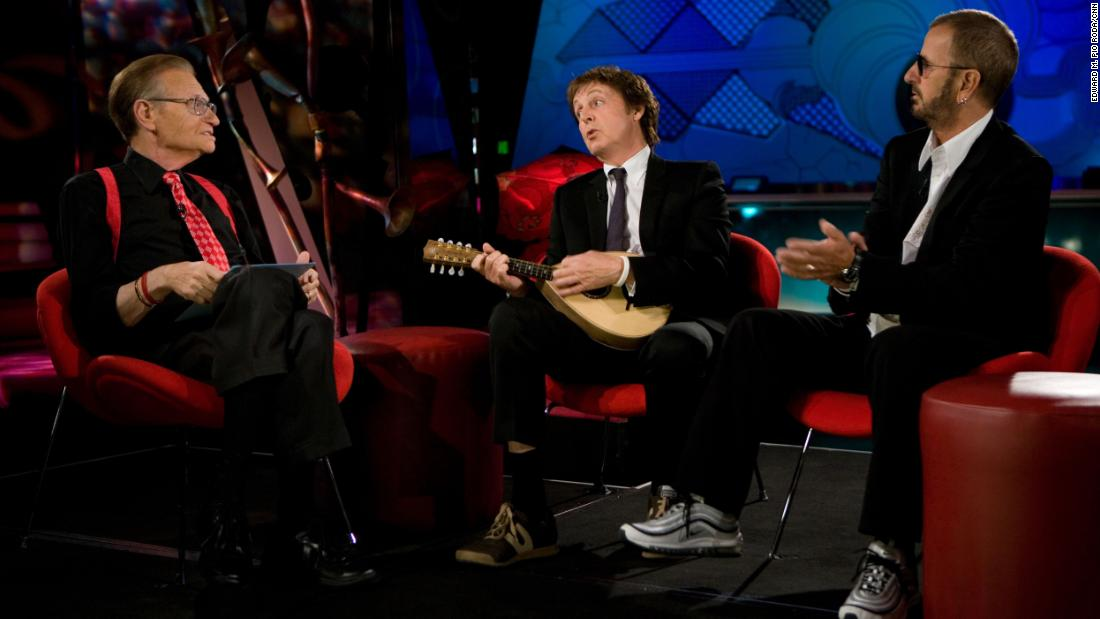 King talks with Paul McCartney and Ringo Starr in 2007 at The Mirage Hotel and Casino in Las Vegas.