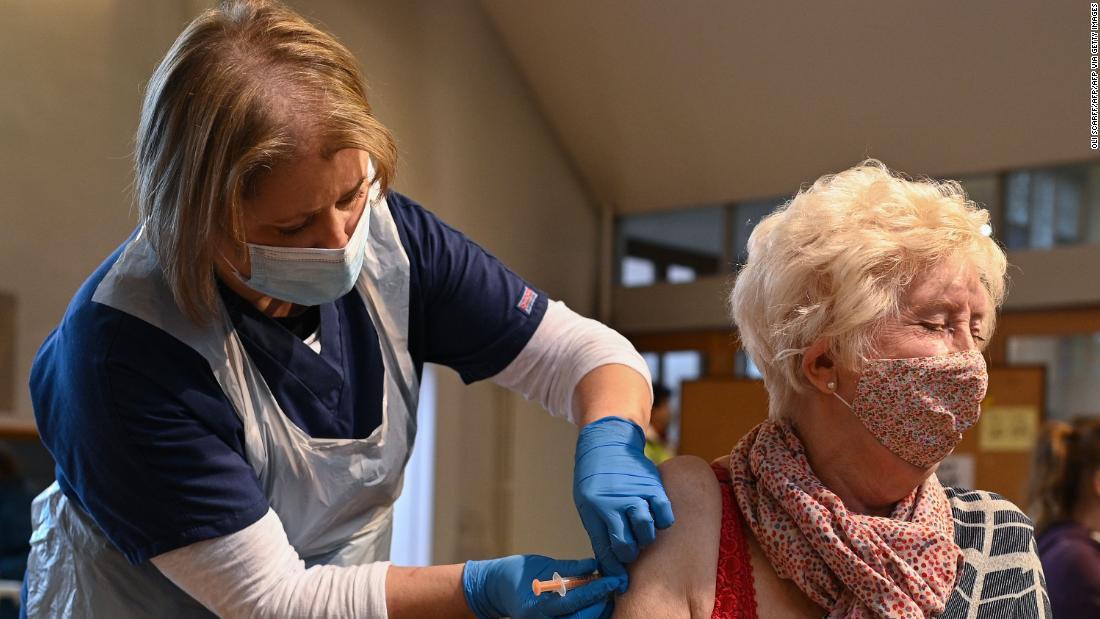 UK should cut its 12-week delay between vaccine doses, doctors group says