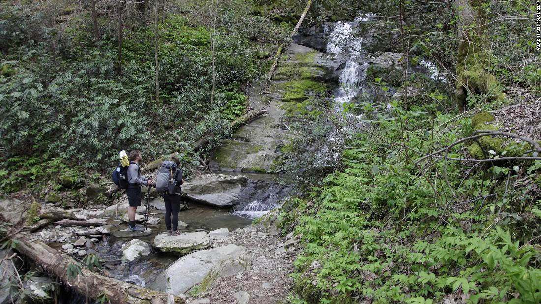 Appalachian Trail Conservancy recommends that hikers delay long expeditions to 2022 due to Covid-19