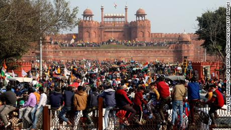 Indian farmers storm New Delhi's Red Fort during tractor protest