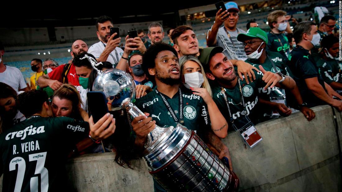 Palmeiras fans gather to celebrate dramatic Copa Libertadores win despite pandemic