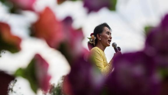 Suu Kyi campaigns in Kawhmu, Myanmar, in 2015.