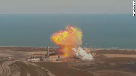 FAA to oversee investigation of SpaceX Mars rocket prototype's explosive landing