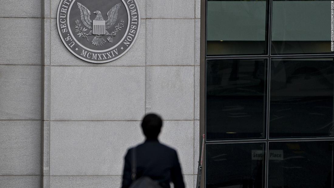 $1.7 billion Ponzi scheme defrauded 17,000 investors, SEC says - CNN