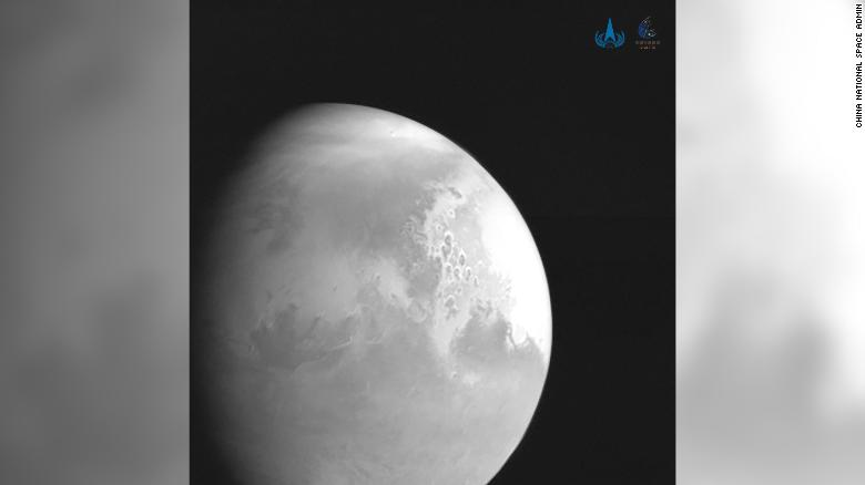 China's Tianwen-1 sends back its first picture of Mars