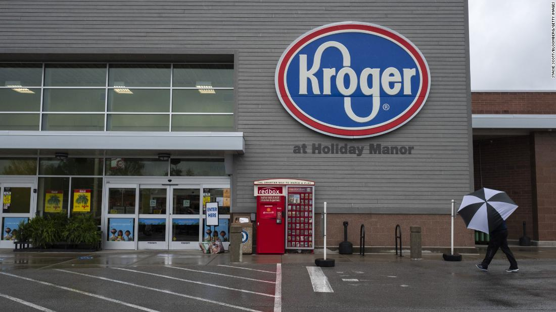 Kroger to pay workers $100 if they get the Covid-19 vaccine - CNN