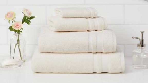 Target Threshold Performance Bath Towel