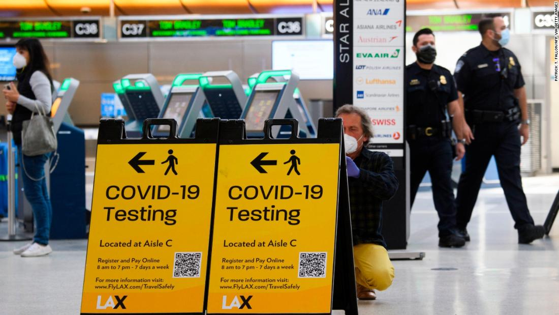 Airline industry pushes back on CDC guidance that vaccinated people still should avoid travel - CNN