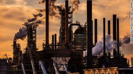 기후 오염원에게 책임을 물을 때가 왔습니다