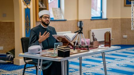 Imam Qari Asim leads a nationwide program by Muslims and for Muslims to tackle vaccine myths and conspiracy theories.
