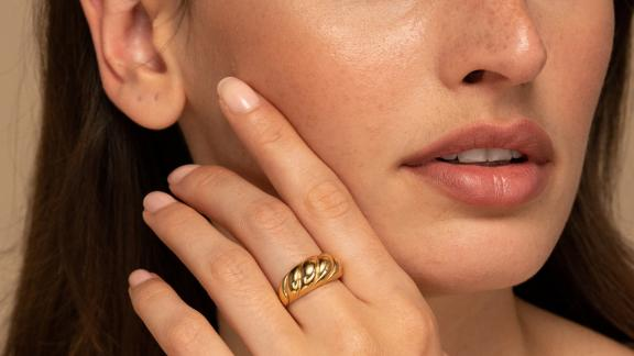 Mejuri Croissant Dôme Ring