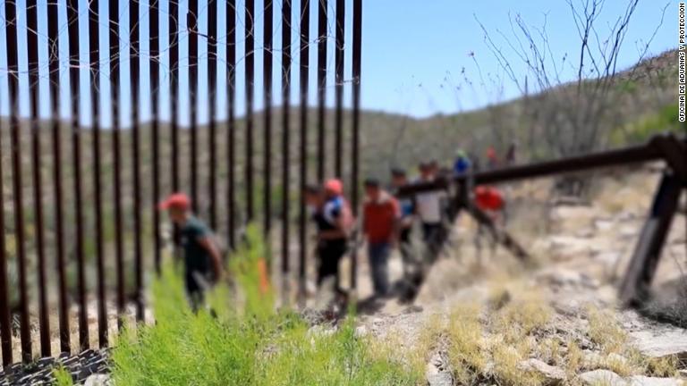 Resultado de imagen de ICE planea liberar algunas familias de inmigrantes detenidas