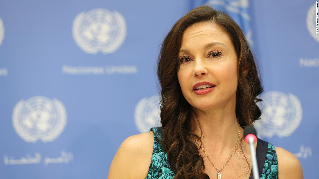 Ashley Judd Accident Actress Shattered Leg In African Jungle Cnn
