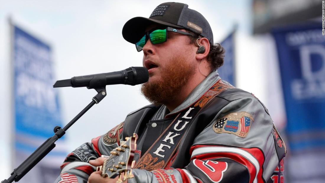 Luke Combs apologizes for past use of the Confederate flag