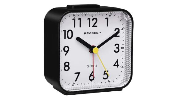Peakeep Small Battery-Operated Analog Travel Alarm Clock