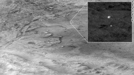 HiRISE capturó esta imagen de perseverancia en el camino hacia el lugar de aterrizaje.