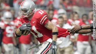 Anthony Gonzalez of the Ohio State Buckeyes carries the ball during the game against the Cincinnati Bearcats on September 16, 2006.