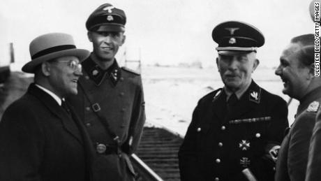 Diplomats visting Nazi headquarters in 1939, from left: Lithuanian ambassador Kazys Škirpa, General von Massow and Dr. Schmidt