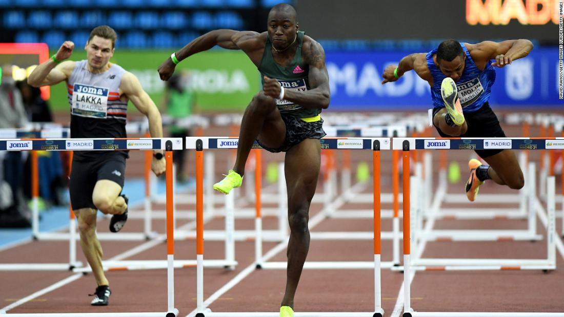 US sprinter Grant Holloway breaks the world record for the indoor 60m hurdles