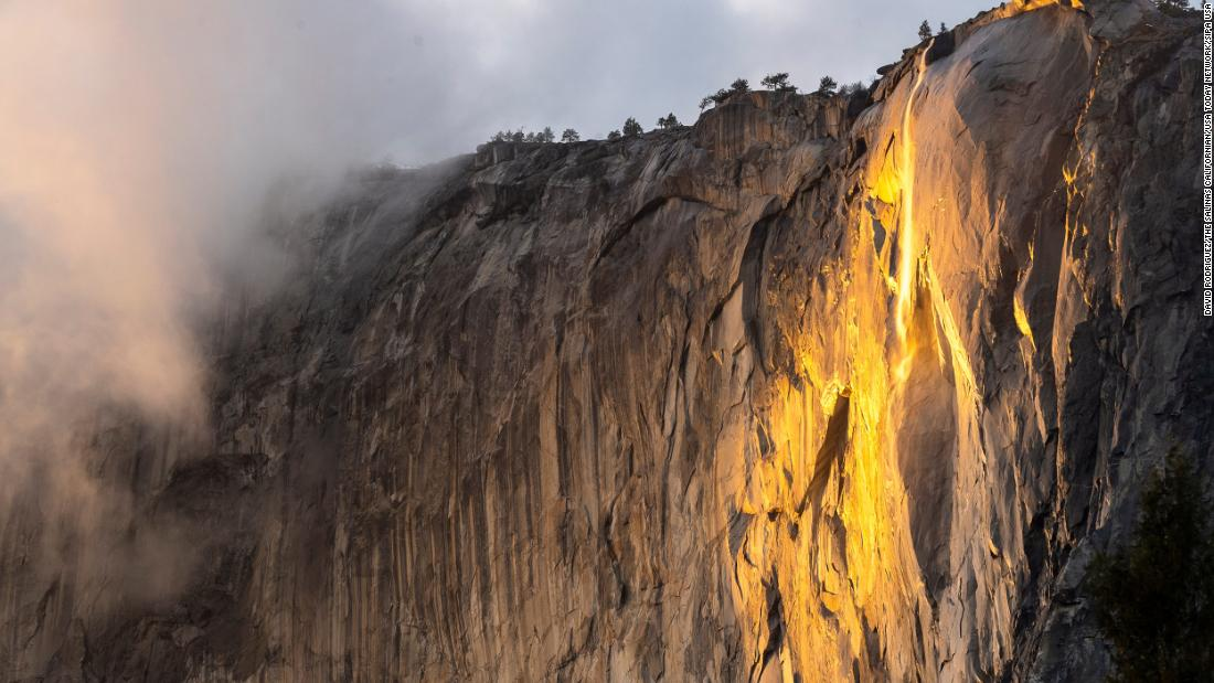 'Firefall' 2021 lights up in orange glory -- and Yosemite has extended the viewing