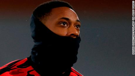 Penyalahgunaan media sosial yang rasis terus melanda sepak bola Inggris