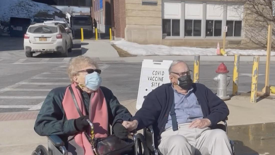 Elderly couple finds love during the pandemic