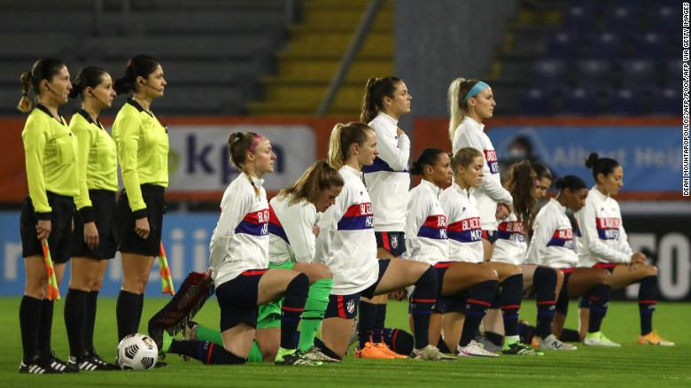 US Soccer scraps anthem-kneeling policy