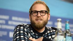 , [:en]Jonah Hill takes to Instagram to pontificate about physique picture after Every day Mail photos[:], Laban Juan
