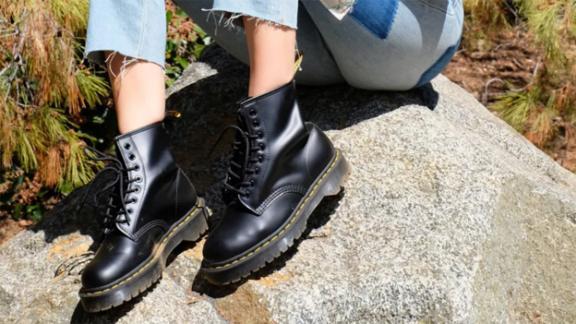 Dr. Martens 1460 Bex 8-Eye Boot