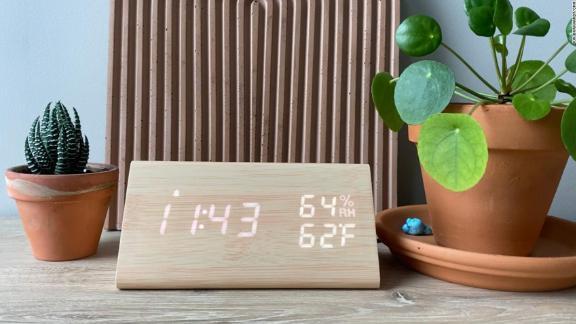 Reloj despertador digital de madera Jall