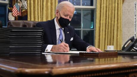 Biden must balance the horror of Covid-19 with the hope to come