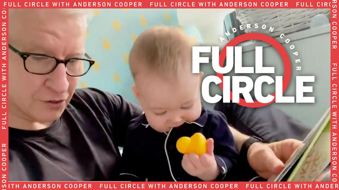 Anderson Cooper reads to his son Wyatt