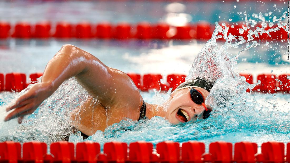 Katie Ledecky wins by 21 seconds in her first race for a year