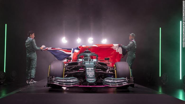 Lance Stroll dan Sebastian Vettel memperkenalkan Aston Martin AMR21 yang baru.