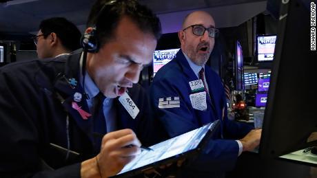 Прошел год с тех пор, как рынки рухнули.  Не за горами еще одна расплата?