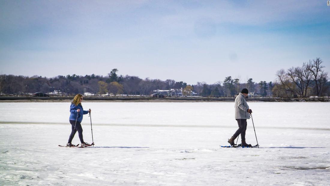 CNN's Bill Weir talks politics while ice fishing in Minnesota