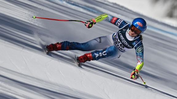 TOPSHOT - American Mikaela Shiffrin competes in the first run of the Wowen's Alpine combined event on February 15, 2021 at the FIS Alpine World Ski Championships in Cortina d'Ampezzo, Italian Alps. (Photo by Fabrice COFFRINI / AFP) (Photo by FABRICE COFFRINI/AFP via Getty Images)