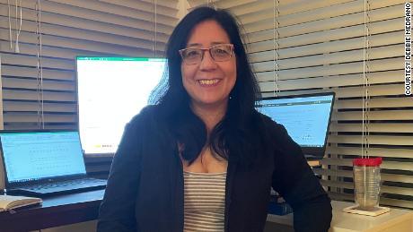 Дебора Медрано начала свою новую работу в качестве финансового директора Dreamscape Immersive всего за несколько недель до того, как были отданы распоряжения о домохозяйстве.  Поэтому ей пришлось виртуально познакомиться со своими новыми коллегами.