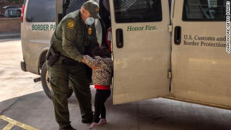 More than 5,000 unaccompanied children are in CBP custody, documents show