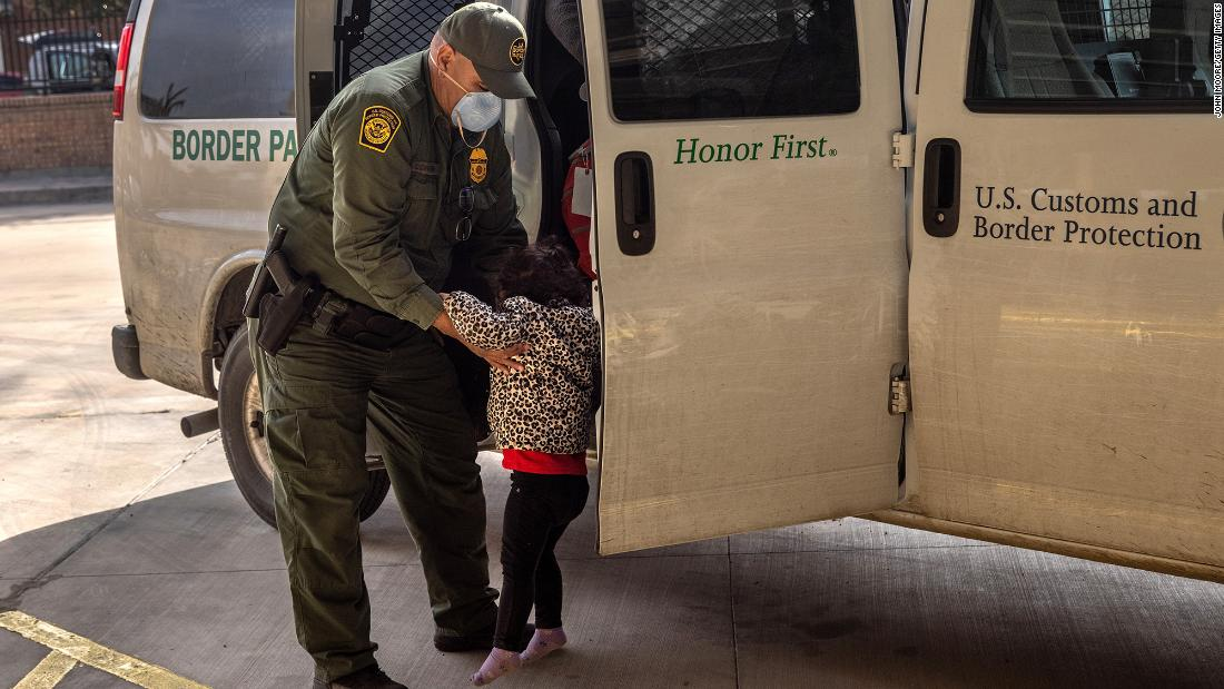 More than 5,000 unaccompanied children are in CBP custody, documents show thumbnail