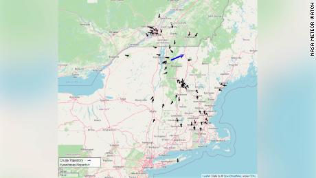 Peste 100 de persoane au raportat că au văzut meteoritul duminică seara, potrivit NASA Meteor Watch.