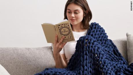 11 popular weighted blankets that shoppers swear by (CNN Underscored)