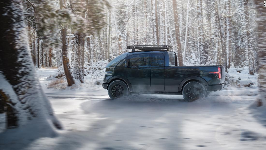 Canoo: See this Tesla competitor's new electric pickup - CNN Video